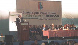 Kirchner en Berisso, en una visita durante los primeros años de su presidencia.